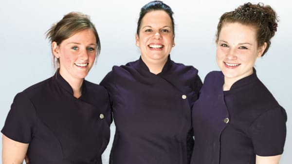 three Glasgow dental nurses